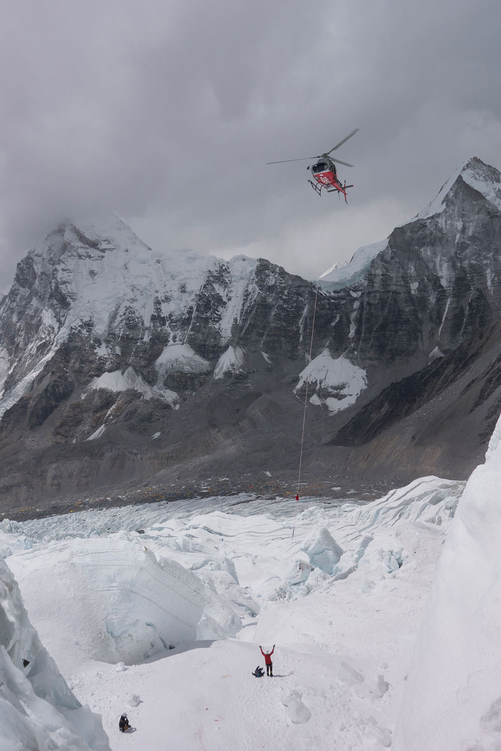 Helicopter rescue on the mountain